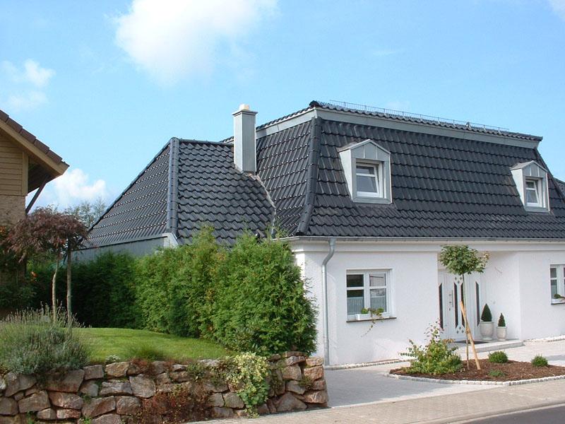 mansarddach wedel dachform mansarddach beim fertighaus. Black Bedroom Furniture Sets. Home Design Ideas